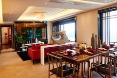 Comedor de lujo moderno de la sala de estar imágenes de archivo libres de regalías