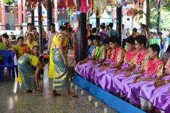 Comemora o festival de Songkran no estilo de Tailandês-segunda-feira Foto de Stock