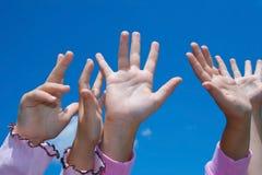 Comemorando as mãos. Fotos de Stock Royalty Free
