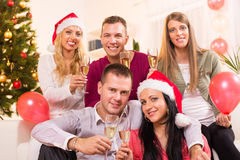 Comemorando o Natal ou o ano novo foto de stock