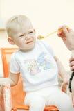 Comendo a menina Foto de Stock Royalty Free