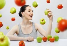Comendo o alimento da dieta Fotografia de Stock Royalty Free