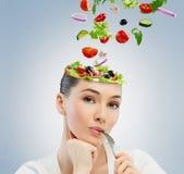 Comendo o alimento saudável Fotos de Stock Royalty Free