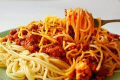 Comendo o alla bolonhês do espaguete Imagem de Stock Royalty Free