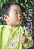 Comendo o bebê Imagens de Stock Royalty Free