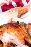 Comendo um pé de galinha apenas eliminado Foto de Stock Royalty Free