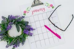 Comenzando un mes fresco - enero de 2019 endecha plana del calendario fotos de archivo libres de regalías