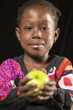 Comer africano da menina foto de stock