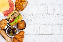 Comer do Compulsive ou conceito do distúrbio alimentar fotografia de stock royalty free