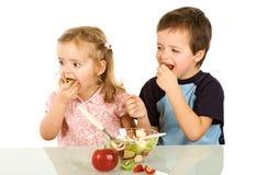 Comer frutas é divertimento Fotos de Stock Royalty Free