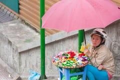 Comerciante de la calle en Dalat, Vietnam Imagenes de archivo
