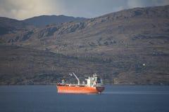 Comerciante Ship en la bahía de Bantry Imágenes de archivo libres de regalías