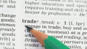 Comercio, palabra en el vocabulario inglés, proceso de la compra y de la venta, interacción almacen de video