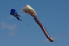 Cometa colorida en el aire Fotografía de archivo libre de regalías