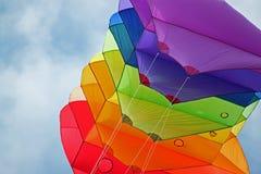 Cometa colorida en Sunny Summer Sky Fotos de archivo libres de regalías