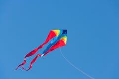 Cometa con el cielo azul Fotografía de archivo libre de regalías