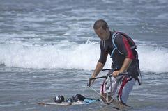 Cometa-persona que practica surf fotos de archivo