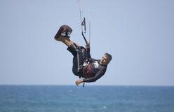 Cometa-persona que practica surf Foto de archivo libre de regalías