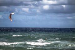 Cometa que practica surf en Gold Coast Imagen de archivo libre de regalías