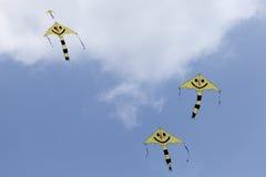 Cometas amarillas de la sonrisa Foto de archivo
