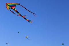 Cometas del vuelo Imagen de archivo libre de regalías