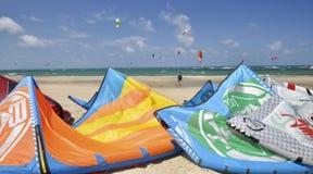 Cometas en la playa Fotografía de archivo libre de regalías