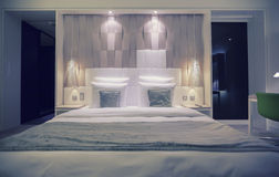 Comfort bed in modern hotel Royalty Free Stock Photography