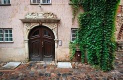 Comfortabel huis in Oud Riga Stock Afbeeldingen