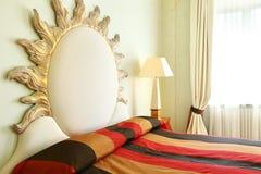 Comfortabel kostuum, slaapkamer royalty-vrije stock afbeelding