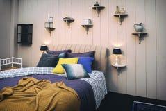 Comfortabele huisslaapkamer Royalty-vrije Stock Fotografie