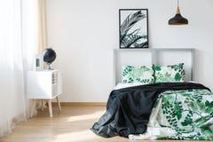 Comfy κρεβατοκάμαρα της Νίκαιας στοκ φωτογραφία με δικαίωμα ελεύθερης χρήσης