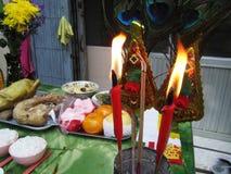 Comida a adorar en festival chino del Año Nuevo Fotos de archivo libres de regalías
