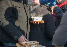 Comida caliente para los pobres y los desamparados Imagen de archivo
