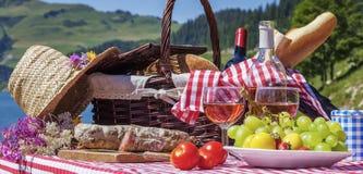Comida campestre francesa Imagen de archivo