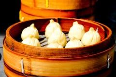 Comida china de las bolas de masa hervida del dim sum en Shangai China Fotografía de archivo