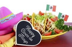 Comida colorida brillante feliz del partido de Cinco de Mayo imágenes de archivo libres de regalías