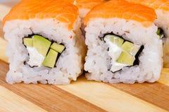 Comida de Japón del rollo del japonés del sushi fresca Imagen de archivo libre de regalías