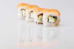 Comida de Japón del rollo del japonés del sushi fresca Foto de archivo libre de regalías