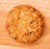 Comida de la avena de las galletas con la fresa. Imagen de archivo
