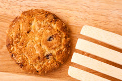 Comida de la avena de las galletas con la fresa. Fotos de archivo