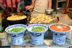 Comida de la calle en China Fotos de archivo libres de regalías