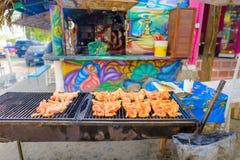 Comida de la calle en ciudad del sayulita, cerca del mita del punta, México fotografía de archivo libre de regalías