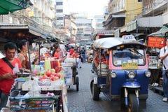Comida de la calle en el camino de Yaowarat Imagen de archivo