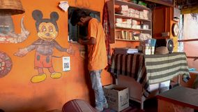 Comida de la calle en la India almacen de video