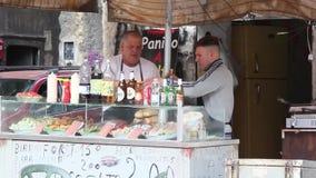Comida de la calle en Palermo, Italia almacen de metraje de vídeo