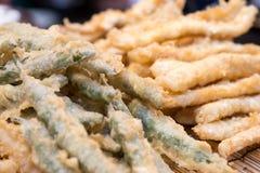 Comida de la calle - verduras estropeadas fritas Fotos de archivo libres de regalías