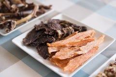 Comida de la carne para los perros Imágenes de archivo libres de regalías