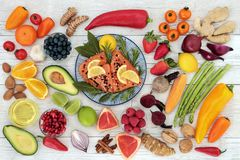 Comida de la dieta sana para promover salud del corazón Imagenes de archivo