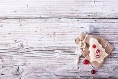 Comida de la diversión para que niños y adultos tuesten el almuerzo festivo en Año Nuevo de la Navidad del pan blanco en los árbo Imagen de archivo
