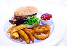 Comida de la hamburguesa Fotografía de archivo libre de regalías